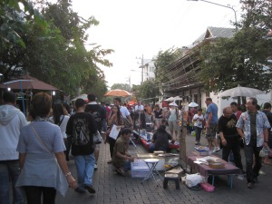 Early evening at the Sunday Walking Market