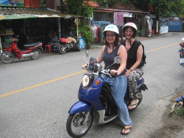 Motorbike Ellen & Mary